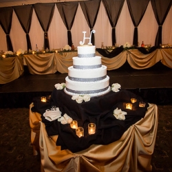 "Wedding Cake • <a style=""font-size:0.8em;"" href=""http://www.flickr.com/photos/79112635@N06/16186958031/"" target=""_blank"">View on Flickr</a>"
